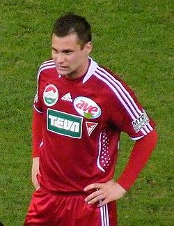 Péter Czvitkovics regresó al Debreceni tras estar en el K.V. Kortrijk de  Bélgica en 2012. 915c8c8630
