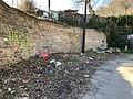 Décharge sauvage, rue Louis Bouquet (Lyon).jpg