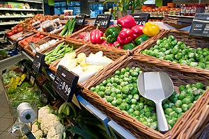 English: Dagwinkel foodstores fresh fruits & v...