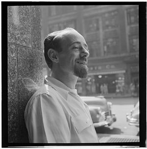 Dave Lambert (American jazz vocalist) - Image: Dave Lambert, New York, N.Y., ca. July 1947 (William P. Gottlieb 05551)