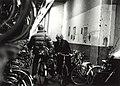 De fietsenstalling in het NS station. Aangekocht in 1992 van United Photos de Boer. - Negatiefnummer 36072 K rij 5 - 15. - Gepubliceerd in het Haarlems Dagblad van 26.03.1992, NL-HlmNHA 54032205.JPG