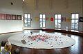 Des Tsuru dans la rotonde du musée Guimet (Paris) (8212585335).jpg