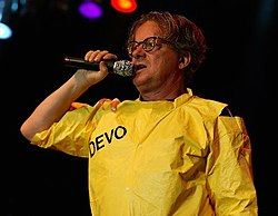 Mothersbaugh in concert, 2006