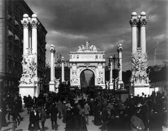 William H. Rau - The Dewey Arch in New York