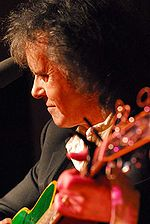 Donovan playing in Washington D.C. January 2007 photo: Gene Carl Feldman