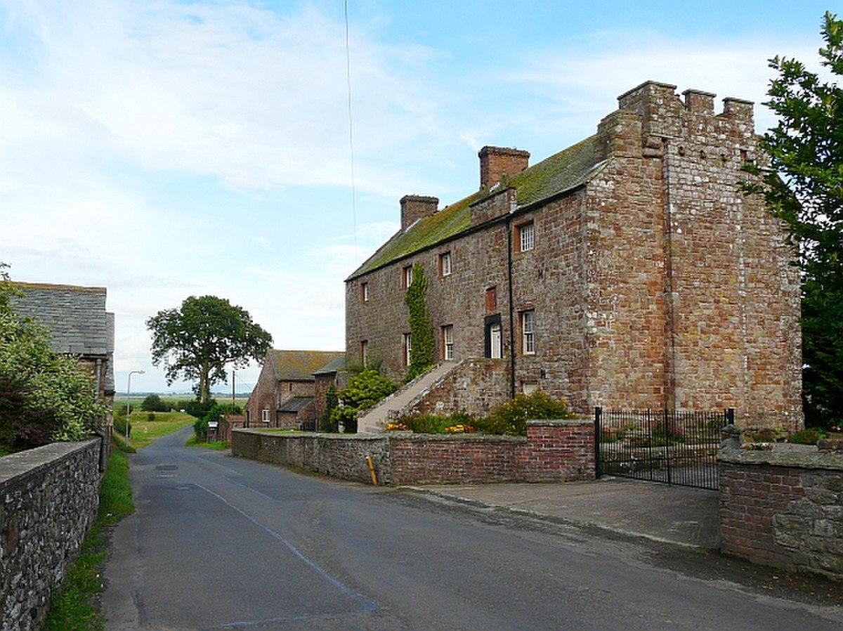 Drumburgh Castle - geograph.org.uk - 912711.jpg