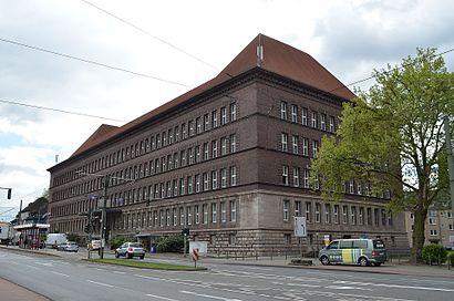 Wie Komme Ich Zu Dem Tausendfensterhaus In Duisburg Mit Der Bahn Der Strassenbahn Oder Der S Bahn Moovit
