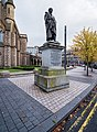 Dundee,-Albert-Square,-George-Kinloch-Monument-(Q17798900).jpg
