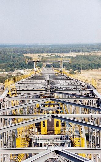 Overburden Conveyor Bridge F60 - The F60 in Lichterfeld, along the entire length