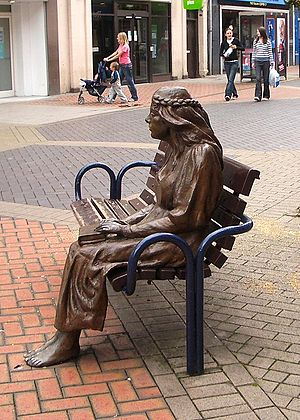 The Fair Maid of Perth - A bronze statue of a seated Fair Maid in Perth's High Street