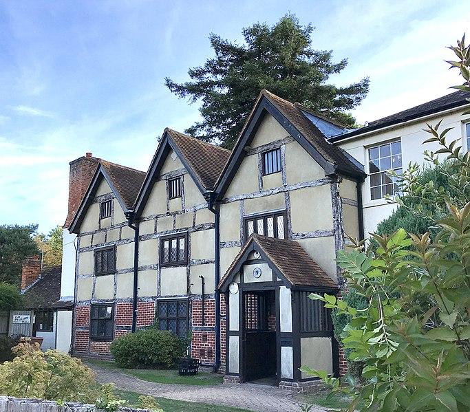 Fitznells Manor