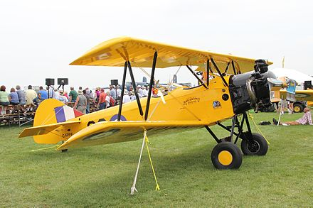 Wing stagger on a Fleet Finch primary trainer Fleet 16B (C-FPFF).jpg