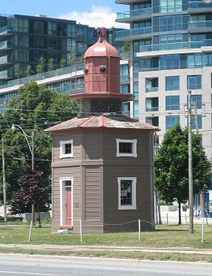Queen's Wharf Lighthouse - The lighthouse at its Fleet Street location