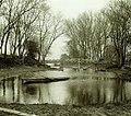 Fleuve, berges, passerelle, barques - Comte Henry de Lestrange.jpg