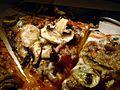 Flickr - cyclonebill - Pizza med oksekød, gorgonzola og champignon (1).jpg