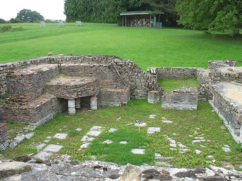 Le caldarium du site archéologique des Fontaines Salées entre Saint-Père et Foissy-lès-Vézelay (Yonne, France).