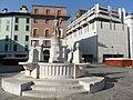 Fontana con statua dell'Abbondanza in Piazza del Mercato - panoramio.jpg