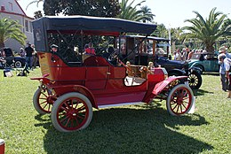 Ford Model T 1909 Serial337 RSide Lake Mirror Cassic 16Oct2010 (14874187381).jpg