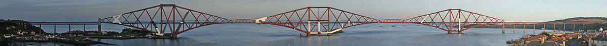 Panorama Forth Bridgea tijekom obnove 2007. god.