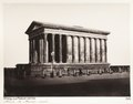 Fotografi på templet Maison Carrée i Nîmes - Hallwylska museet - 107237.tif