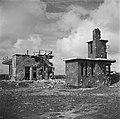 Friesland Verwoeste gebouwen aan de Kop van de Afsluitdijk, Bestanddeelnr 900-2677.jpg