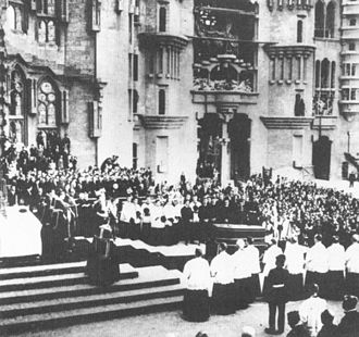 1926 in architecture - Gaudí's funeral