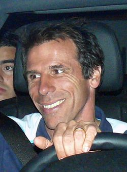 Gianfranco Zola 2009-ben