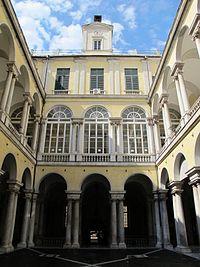 Genova, palazzo dell'università, cortile 04.JPG