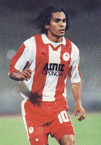 Olympiacos F.C. - Club legend Giovanni won five Greek League titles and scored 98 goals in 208 official games for Olympiacos