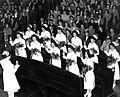 Graduates reciting Florence Nightingale Pledge (5043021860).jpg