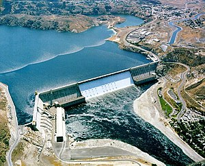 History of Washington (state) - The Grand Coulee Dam was the largest dam in the world at the time of its construction