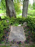 Grave of John, Ester and Bengt Bauer-2.jpg