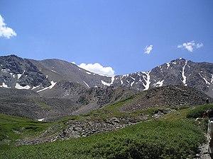 Grays Peak - Grays Peak on left, Torreys Peak on right