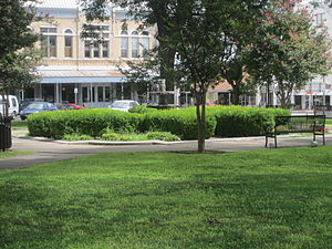 Uvalde, Texas - Image: Green space in the town square, Uvalde, TX IMG 4270