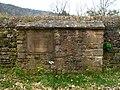 Grubinger Friedhof Westwand.JPG