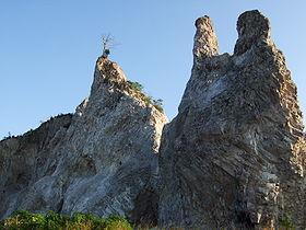 http://upload.wikimedia.org/wikipedia/commons/thumb/7/73/Gunung_Kunyit_Teluk_Betung.JPG/280px-Gunung_Kunyit_Teluk_Betung.JPG