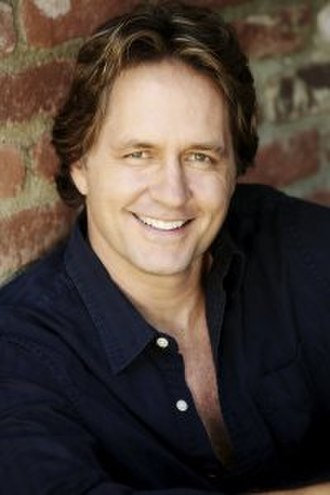 TVyNovelas Award for Best Young Lead Actor - Image: Guy Ecker 1