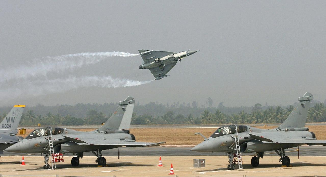 HAL Tejas at Aero India 2013.jpg