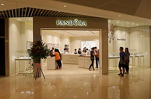 Pandora (jewelry) - Hong Kong, YOHO Mall Branch