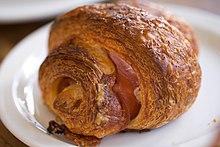 Croissant - Wikipedia, the free encyclopedia