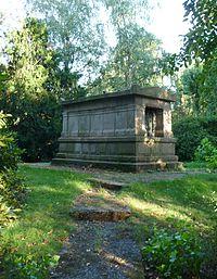 Hamburg-Hamm Friedhof Mausoleum Sieveking 01.jpg