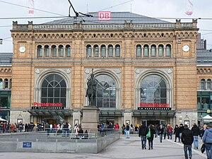 Deutsch: Vorplatz des Hannoveraner Hauptbahnhofes