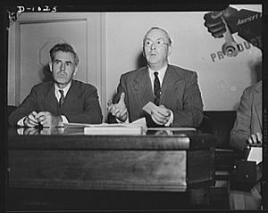 Donald M. Nelson - Henry A. Wallace, Chairman, and Donald M. Nelson, Executive Director, of SPAB after its first meeting