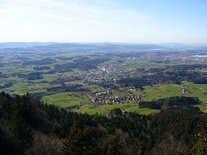 Zürcher Oberland - Hinwil, Wetzikon, Pfäffikersee, Greifensee and Pfannstiel in the background as seen from Bachtel mountain