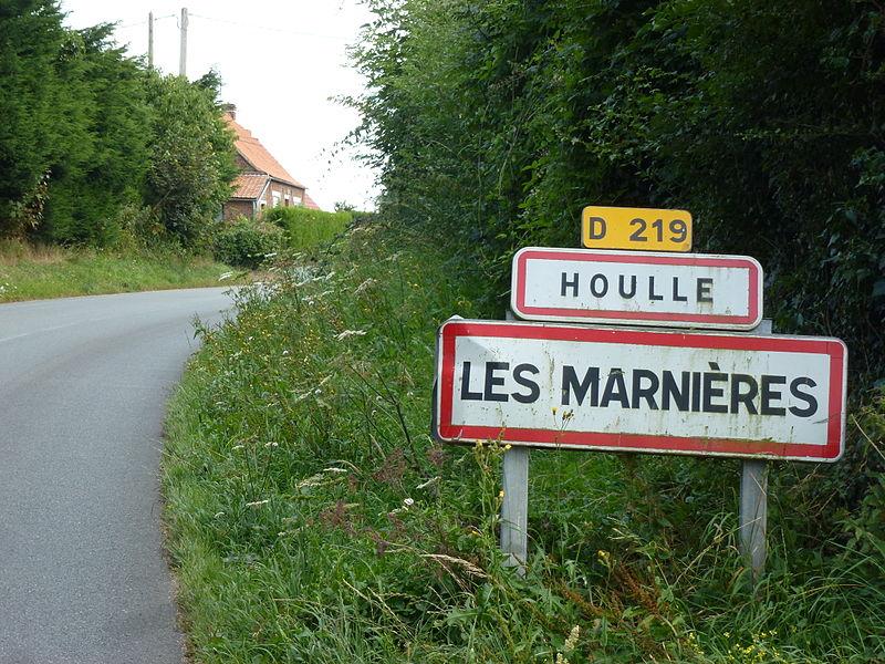 Houlle (Pas-de-Calais) city limit sign Les Marnières