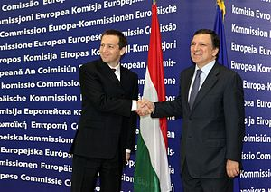 Gordon Bajnai - Gordon Bajnai with Barroso in Brussels.