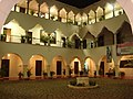 Interior EDIFICIO UNIVERSIDAD DE YUCATAN - panoramio.jpg