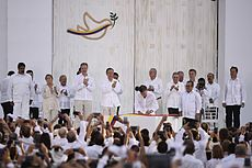 Colombia wikipedia president juan manuel santos signed a peace accord fandeluxe Images