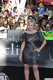 Jennie Garth at Twilight Saga- Eclipse Premiere.jpg