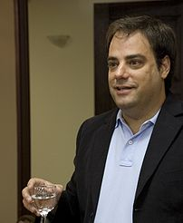 Joel Spolsky speaking with demonstration atten...